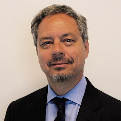 Dr. Mauricio Castillo