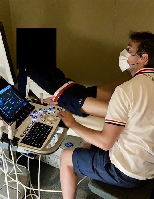 ジェローム・ルノー博士は、フランスのアスリートが負傷する可能性を調査しています。