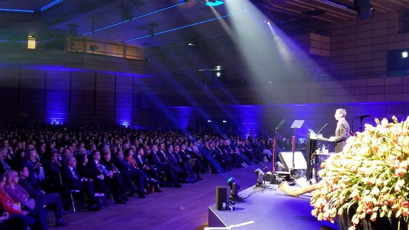 Dr.Bernd Hamm, président de l'ECR 2018 lors de son discours d'ouverture du congrès le mercred